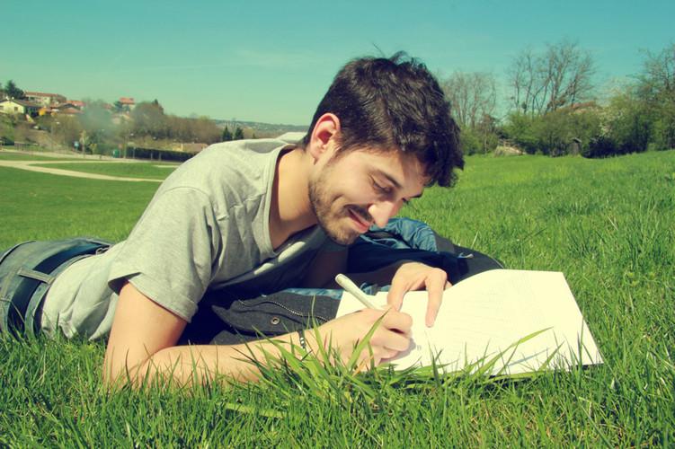 如何看待大学生写毕业论文的功利心