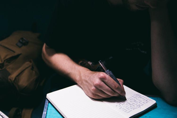 如何写一篇惹毛你导师的论文?